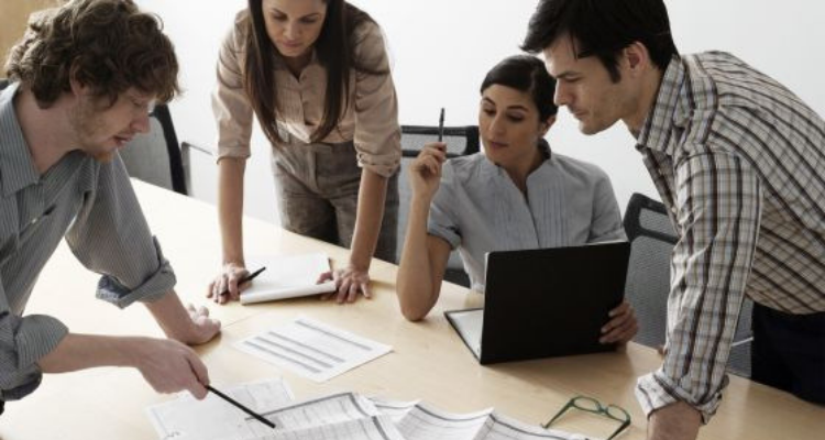 como-mejorar-trabajo-en-equipo-estrategias